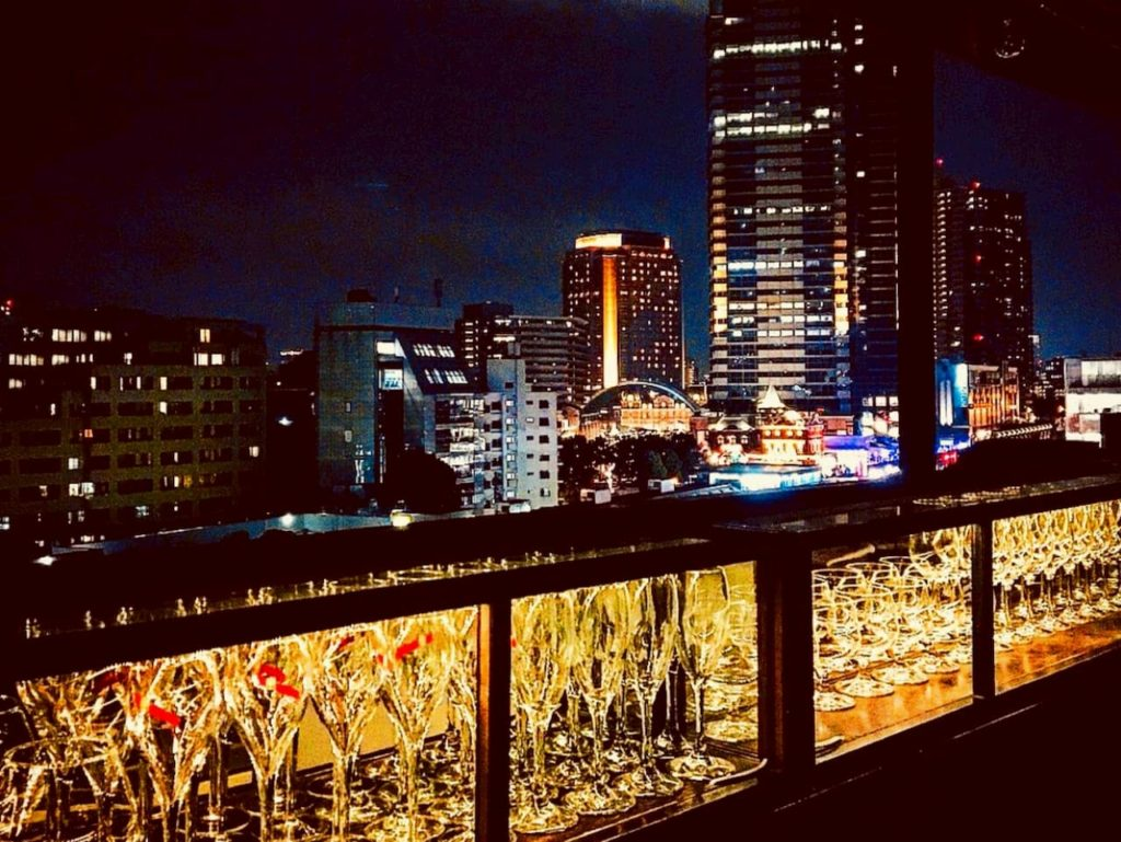 BISTRO Franky Hotel テーブル席から見える夜景